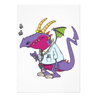 personaje de dibujos animados divertido del dragón invitación personalizada