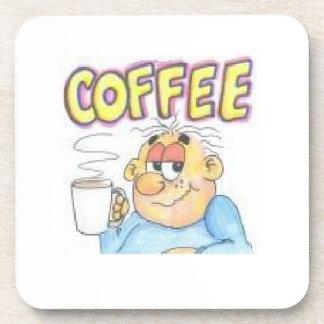 Personaje de dibujos animados divertido en el prác posavasos de bebida