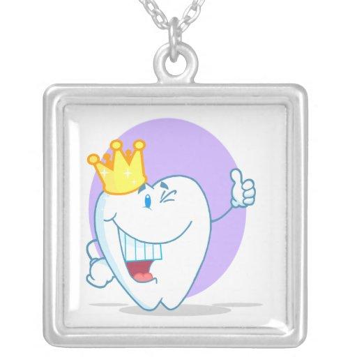Personaje de dibujos animados sonriente del diente joyeria