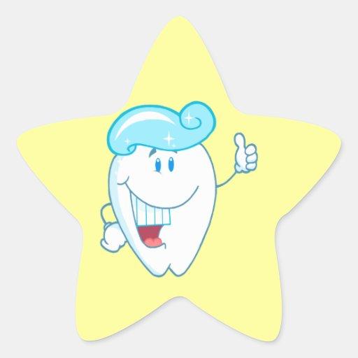 Personaje de dibujos animados sonriente del diente pegatina en forma de estrella
