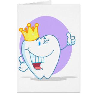 Personaje de dibujos animados sonriente del diente tarjeta de felicitación