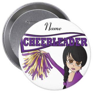 Personalice al chica púrpura lindo de la animadora pin redondo de 4 pulgadas