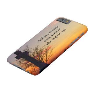 (Personalice) cruz santa en la puesta del sol Funda De iPhone 6 Barely There