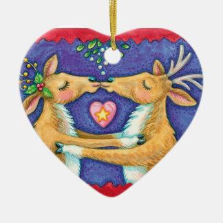 Personalice el ornamento del navidad del reno que adorno navideño de cerámica en forma de corazón