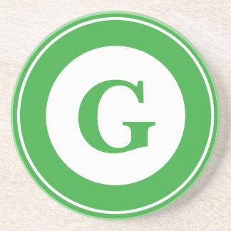 Personalice: Inicial verde minimalista geométrica Posavasos Diseño