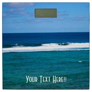 Personalice la ola oceánica magnífica de la isla báscula