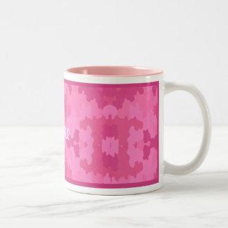 Personalice la taza rosada brillante del camuflaje
