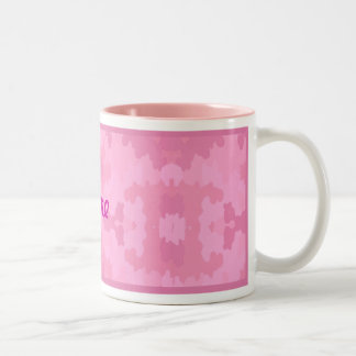 Personalice la taza rosada del camuflaje