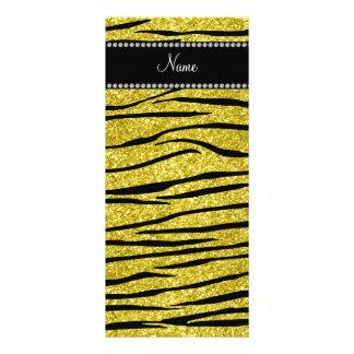 Personalice la tira amarilla en colores pastel con tarjetas publicitarias