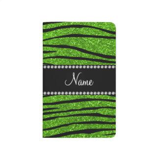 Personalice las rayas verdes de neón conocidas de cuaderno grapado