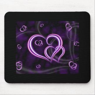 Personalice los corazones púrpuras elegantes tapetes de ratón