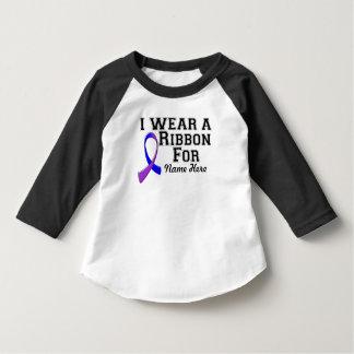 Personalíceme llevan una cinta azul y púrpura remera
