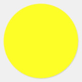 Personalizable amarillo del fondo pegatina redonda