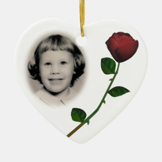 Personalizable conmemorativo del ornamento de la adorno navideño de cerámica en forma de corazón