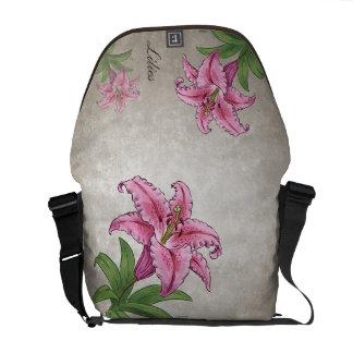 Personalizable rosado del lirio bolsa de mensajeria