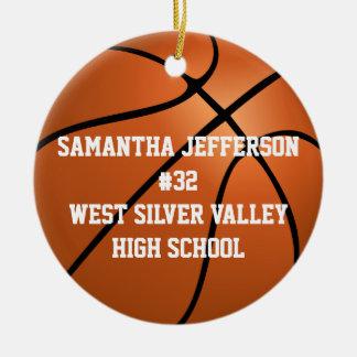 Personalizado alrededor de baloncesto se divierte adorno navideño redondo de cerámica