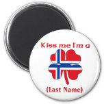 Personalizado béseme que soy botón noruego iman de nevera