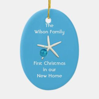 Personalizado casero del primer navidad del azul adorno navideño ovalado de cerámica