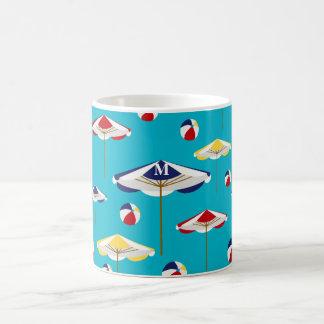 Personalizado colorido del parasol de playa y de taza clásica