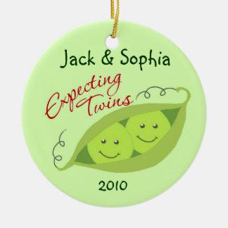 Personalizado contando con el ornamento de los adorno navideño redondo de cerámica