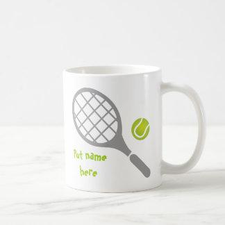 Personalizado de la estafa y de la bola de tenis taza clásica