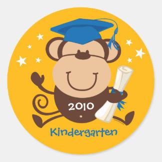 Personalizado del graduado del mono del muchacho pegatina redonda