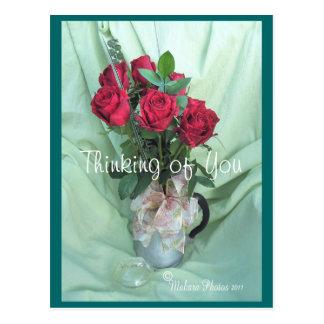 personalizar antiguo del pote y de las rosas del postal