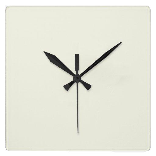 Personalizar de marfil del color sólido él reloj cuadrado