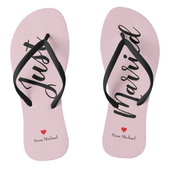 ff570e74b7986 Personalize Just Married Flip Flops in pale pink