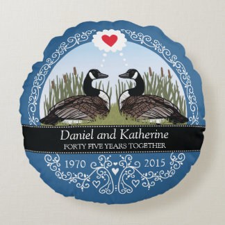 Personalized 45th Wedding Anniversary, Geese Round Pillow
