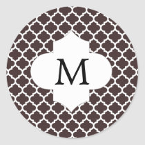 Personalized Monogram Ebony Quatrefoil Pattern Classic Round Sticker