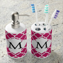 Personalized Monogram Fuchsia Quatrefoil Pattern Bathroom Set