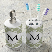 Personalized Monogram Sage Quatrefoil Pattern Bath Set