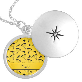 Personalized name yellow skydiving pattern round locket necklace