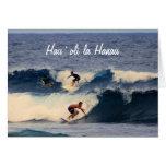 Personas que practica surf del Hawaiian del cumple Tarjetón