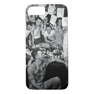 Personnel of USS LEXINGTON celebrate_War Image iPhone 8/7 Case
