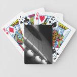 Perspectiva blanco y negro de la guitarra baraja cartas de poker