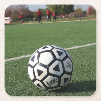 Perspectiva del tiempo del juego - balón de fútbol posavasos personalizable cuadrado