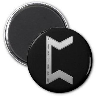 Pertho Rune grey Magnet