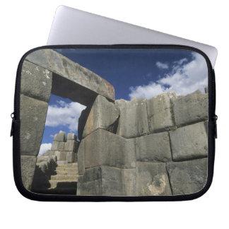Perú, Cuzco, fortaleza de Sacsayhuaman, buen ejemp Funda Computadora