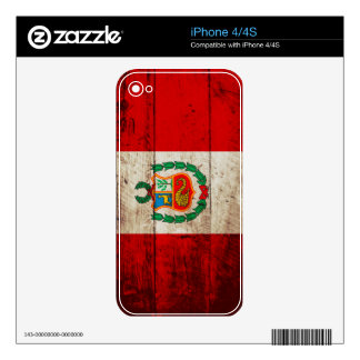 Peru Flag on Old Wood Grain Skin For The iPhone 4