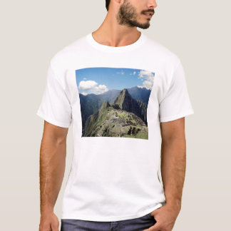 Peru, Machu Picchu, the ancient lost city of 2 T-Shirt
