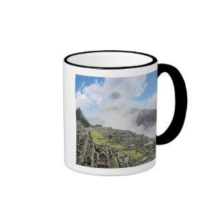 Peru, Machu Picchu, the ancient lost city of 4 Ringer Mug