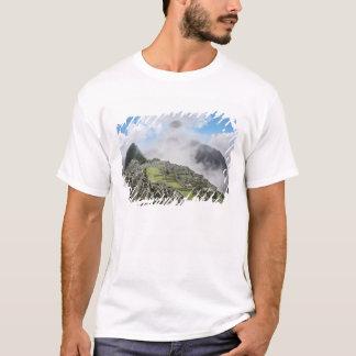 Peru, Machu Picchu, the ancient lost city of 4 T-Shirt