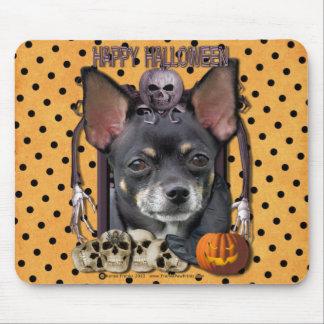 Pesadilla de Halloween - chihuahua - Isabel Alfombrilla De Ratones