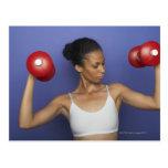 Pesas de gimnasia de elevación 3 de la mujer postales