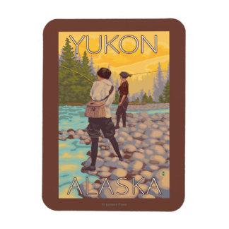 Pesca con mosca de las mujeres - el Yukón, Alaska Imanes