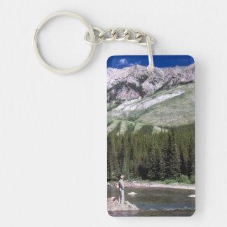 Pesca con mosca en las montañas rocosas de Alberta Llavero Rectangular Acrílico A Una Cara