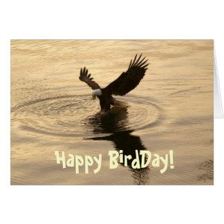 Pesca de Eagle calvo en la tarjeta de cumpleaños d