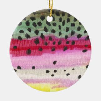 Pesca de la trucha arco iris adorno redondo de cerámica